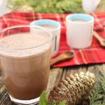 Soul-warming, creamy and healthy - Mint Hot Cacao drink recipe - Quick to make and great for the whole family! Gluten-Free | Vegan - freshisreal.com #veganhotchocolate #freshisreal