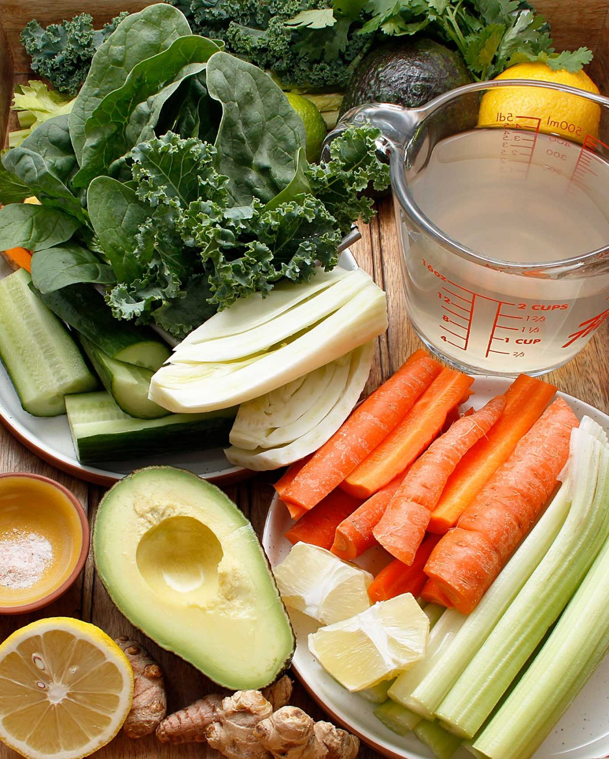 Fresh vegetables to help you make the best Healthy & Delicious Green Juice